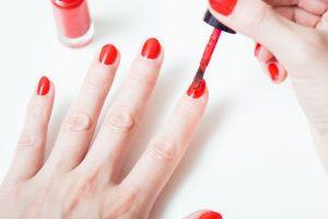 Trucos para pintar tus uñas